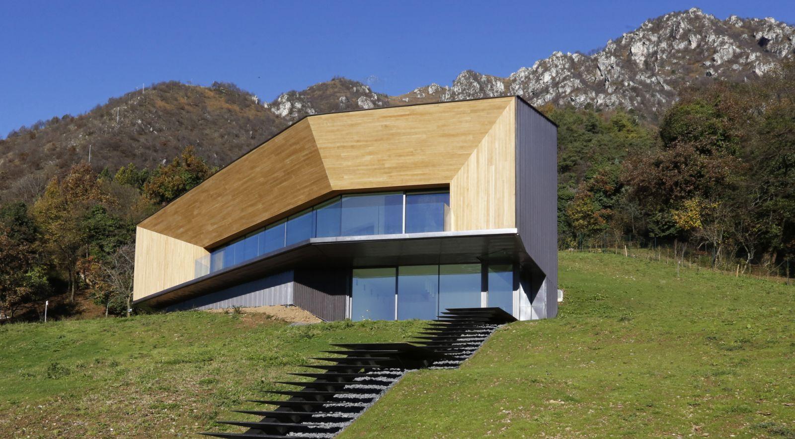 Alps villa by camillo botticini for Camillo homes