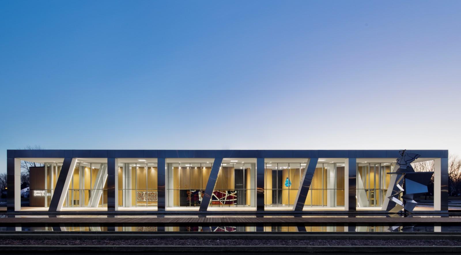 Centre d art diane dufresne de repentigny by acdf architecture for Photo d architecture