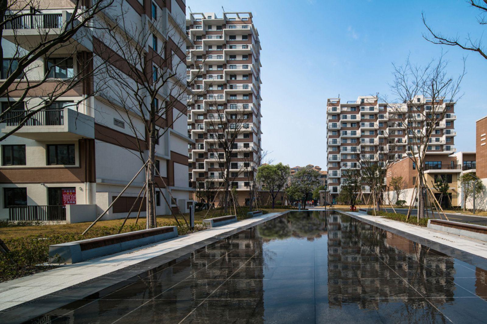 green residence in yu hang by peter ruge architekten 05. Black Bedroom Furniture Sets. Home Design Ideas