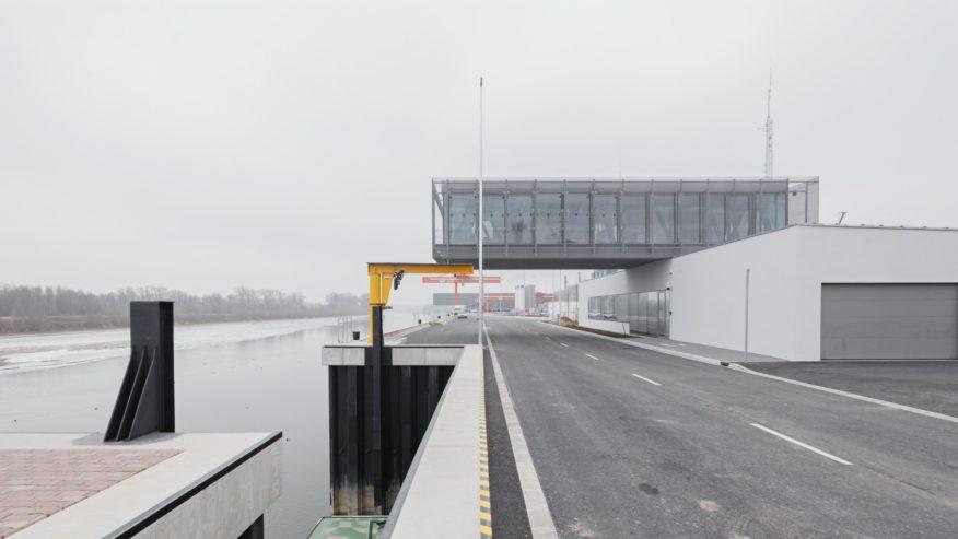 Győr-Gönyű National Public Port Control