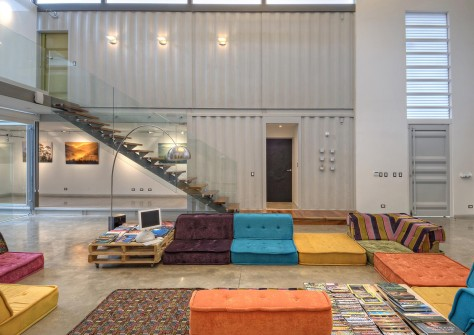 House and Studio Containar