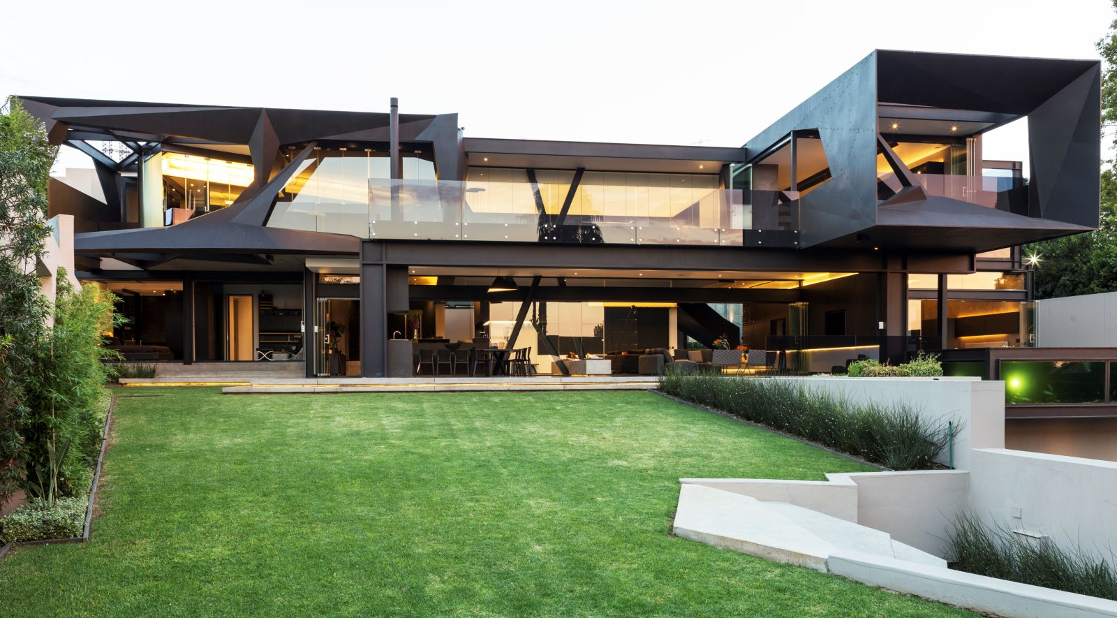 Kloof road house by nico van der meulen architects for In house architect