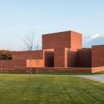 Llinars Auditorium by Álvaro Siza + Aresta Arquitectura