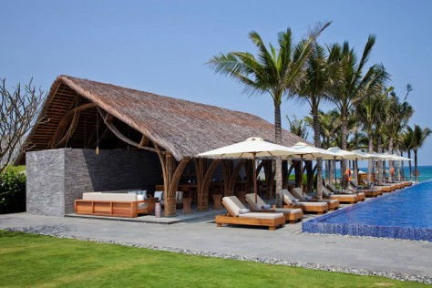 Naman Retreat Beach Bar