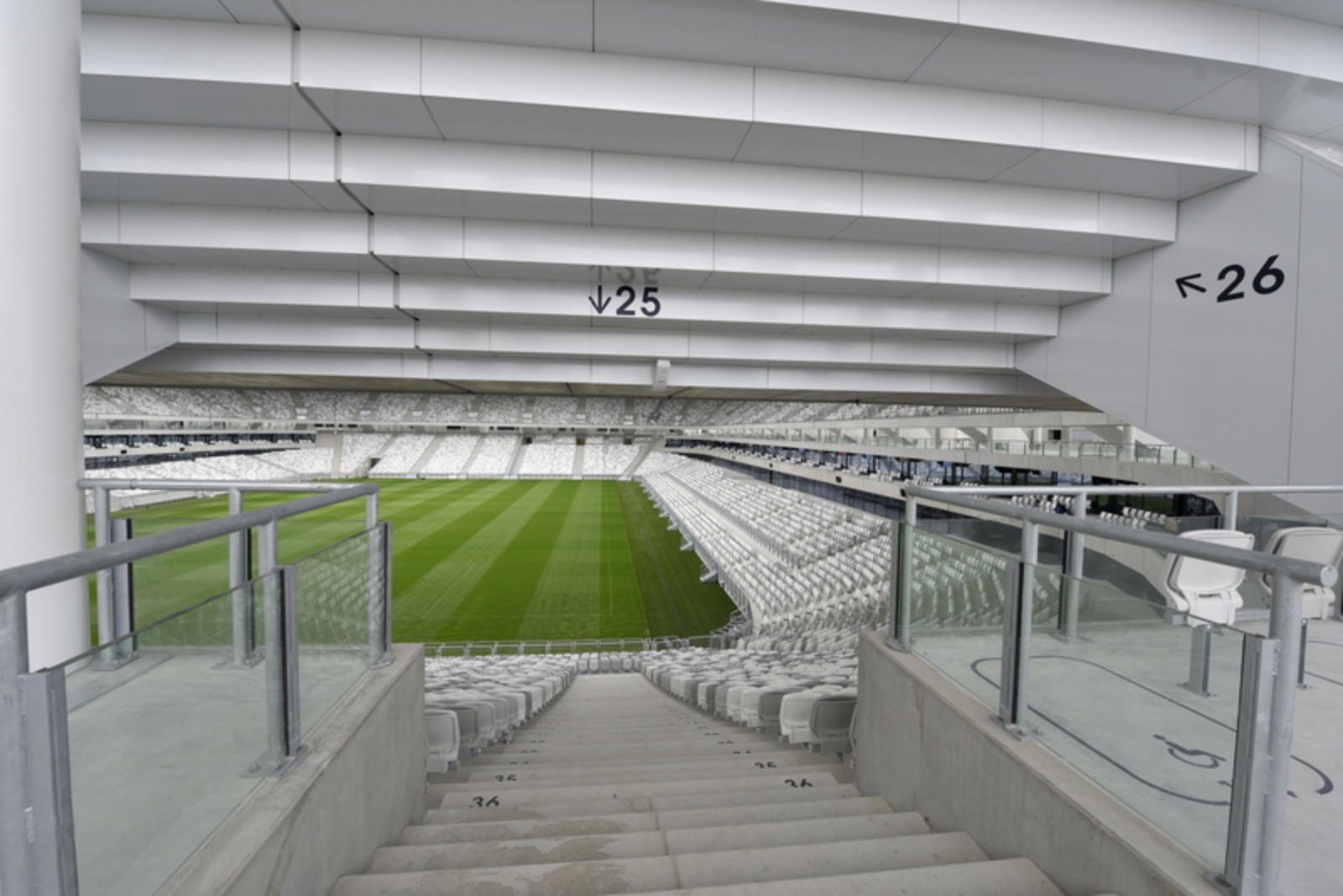 nouveau stade de bordeaux by herzog and de meuron 19. Black Bedroom Furniture Sets. Home Design Ideas