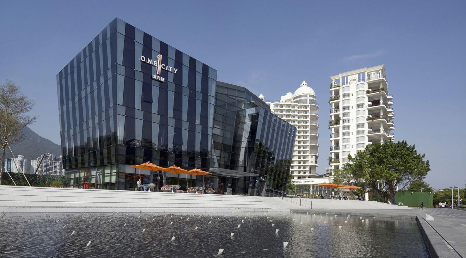 One City Marina Center