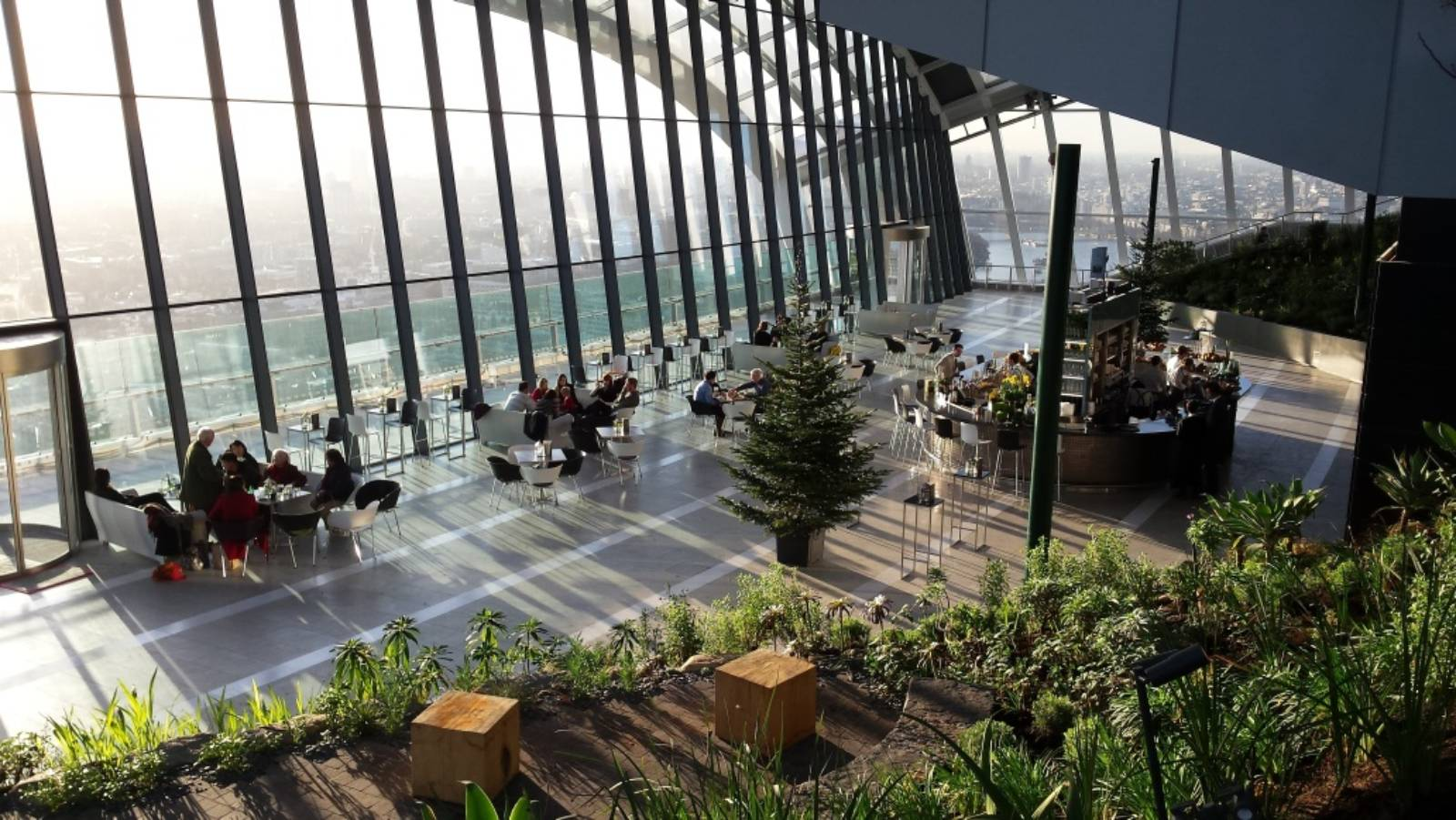 January 8 2015 1600 215 901 open sky garden in 20 fenchurch street by