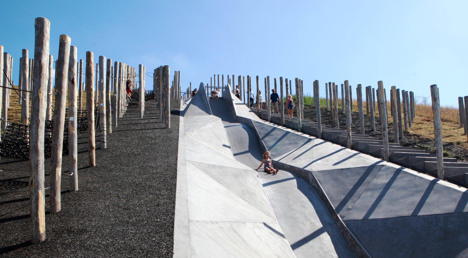Play landscape be-MINE