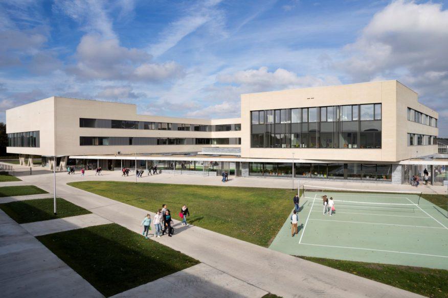 School Campus Peer